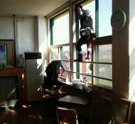 학교교실창틀청소